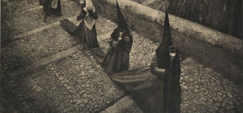 Una obra: Penitentes de Cuenca (José Ortiz Echagüe, 1939)